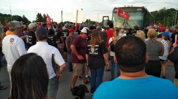 Scenes From the Picket Line in Goderich, Ontario. Update: Letter from Jerry Dias.